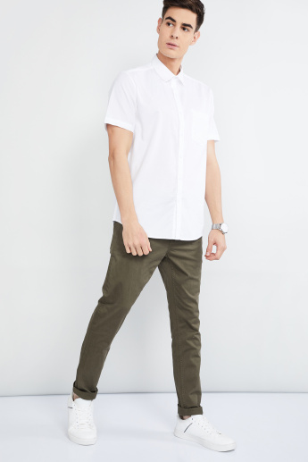 MAX Solid Slim Fit Casual Trousers